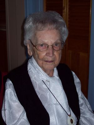 Olive Ouellet-Rioux (co-propriétaire de l'épicerie Omer Rioux de Ste-Françoise) 1920-2019